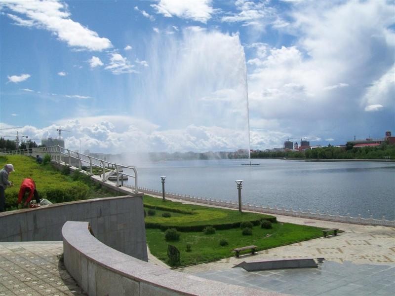 劳动湖风景区